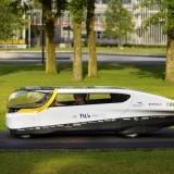 Carro solar para a família anda 800 km com uma única carga